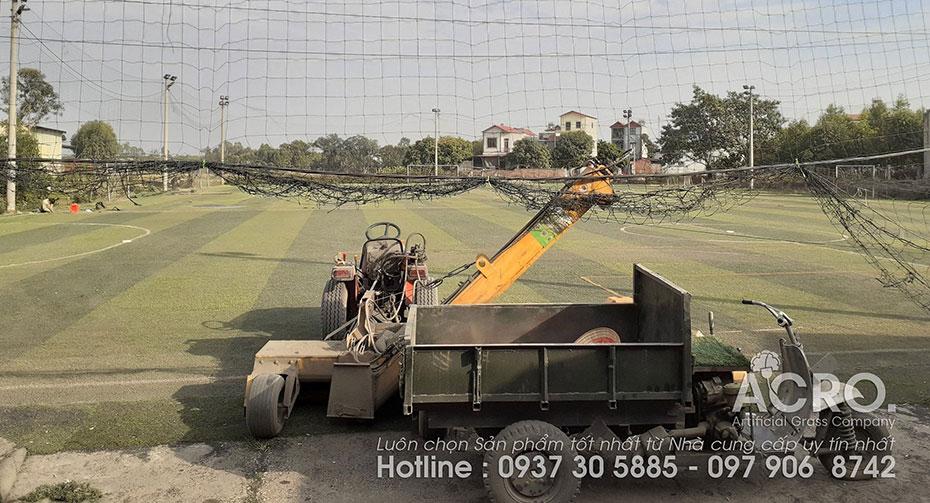 Thi công sân bóng cỏ nhân tạo