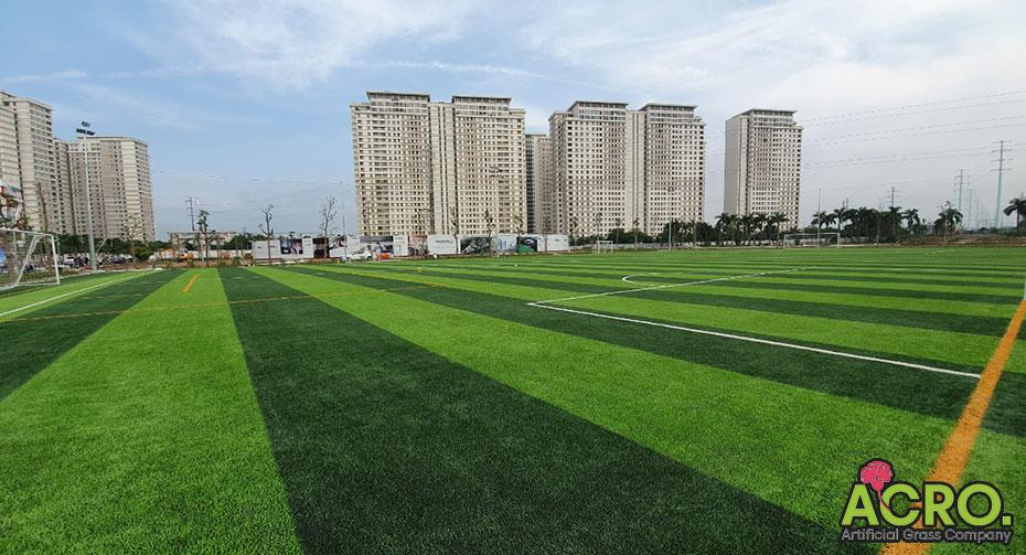 Sân bóng nhân tạo bao nhiêu mét