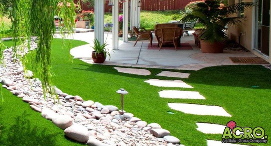 trang trí sân vườn bằng cỏ nhân tạo
