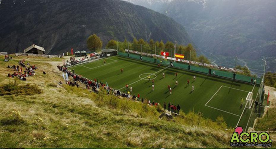 Có nên đầu tư sân bóng cỏ nhân tạo ở nông thôn
